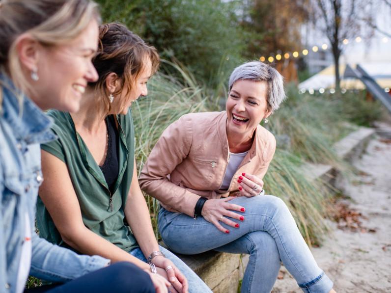 lume, licht, vrouwen, lach
