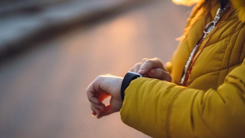 tijd, gespreksavond, lume, vrouw, geel