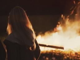 fire, woman, lume, pinkstervuur, Pinksteren
