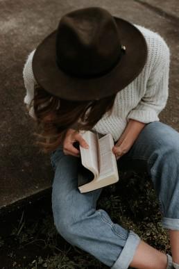 bijbel, vrouw, lume