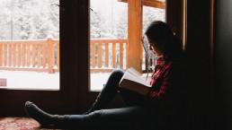 vrouw, licht, raam, lezen, bijbel, monnik